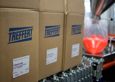 boxes with produced compounds by Treffert